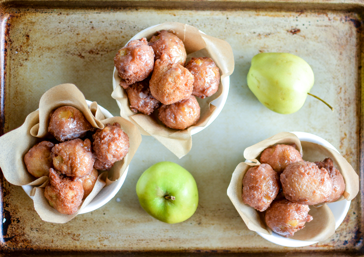 Glazed Cinnamon Apple Fritters: the perfect bite to serve this fall! | www.cookingandbeer.com