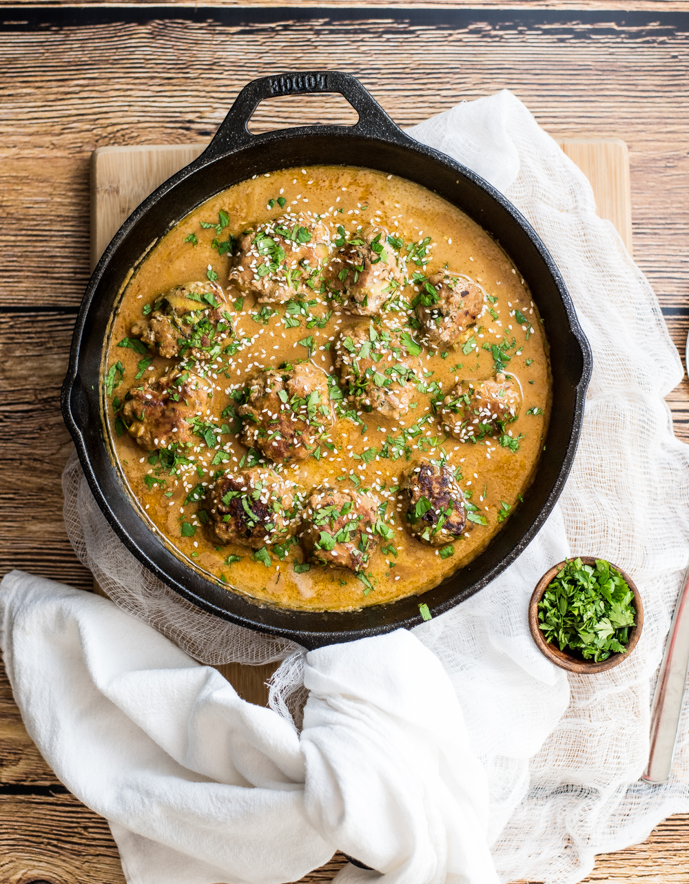 One pan turkey zucchini meatballs in Bangkok peanut sauce™ is the perfect weeknight meal. It is popping with texture and doesn't lack in flavor thanks to House of Tsang's Bangkok Peanut Sauce™!