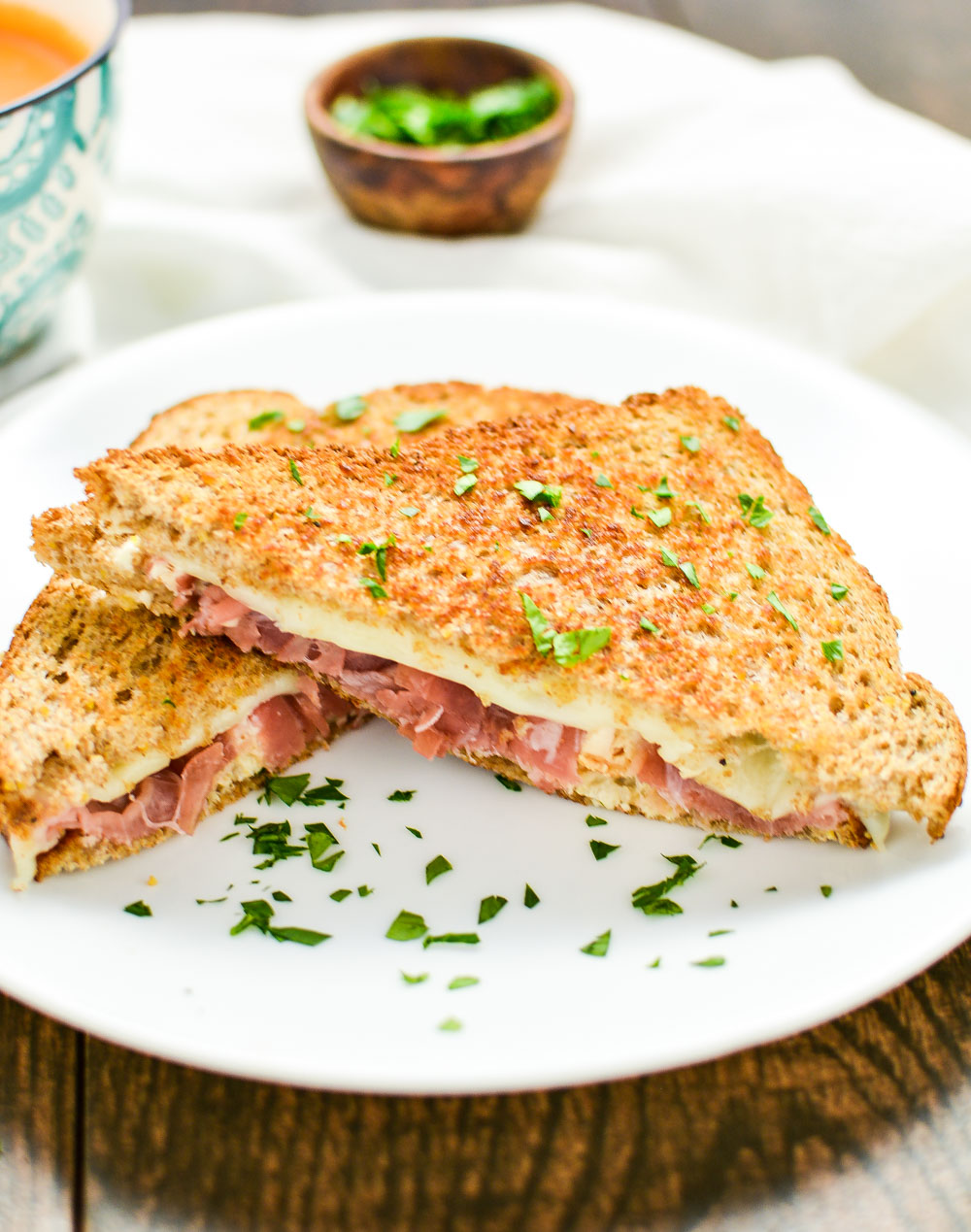 Grilled cheese is taken to the next level with this chicken cordon bleu grilled cheese!