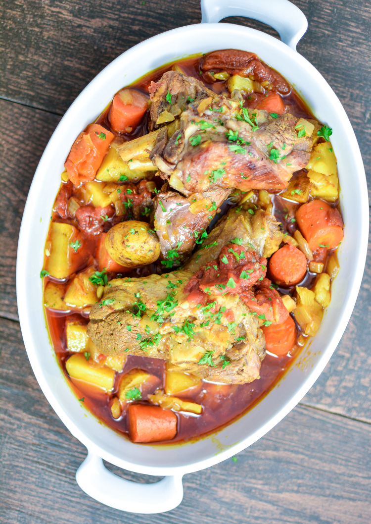 (Easter) Braised Lamb Shanks with Carrots and Potatoes perfect for Sunday dinner or brunch! | www.cookingandbeer.com