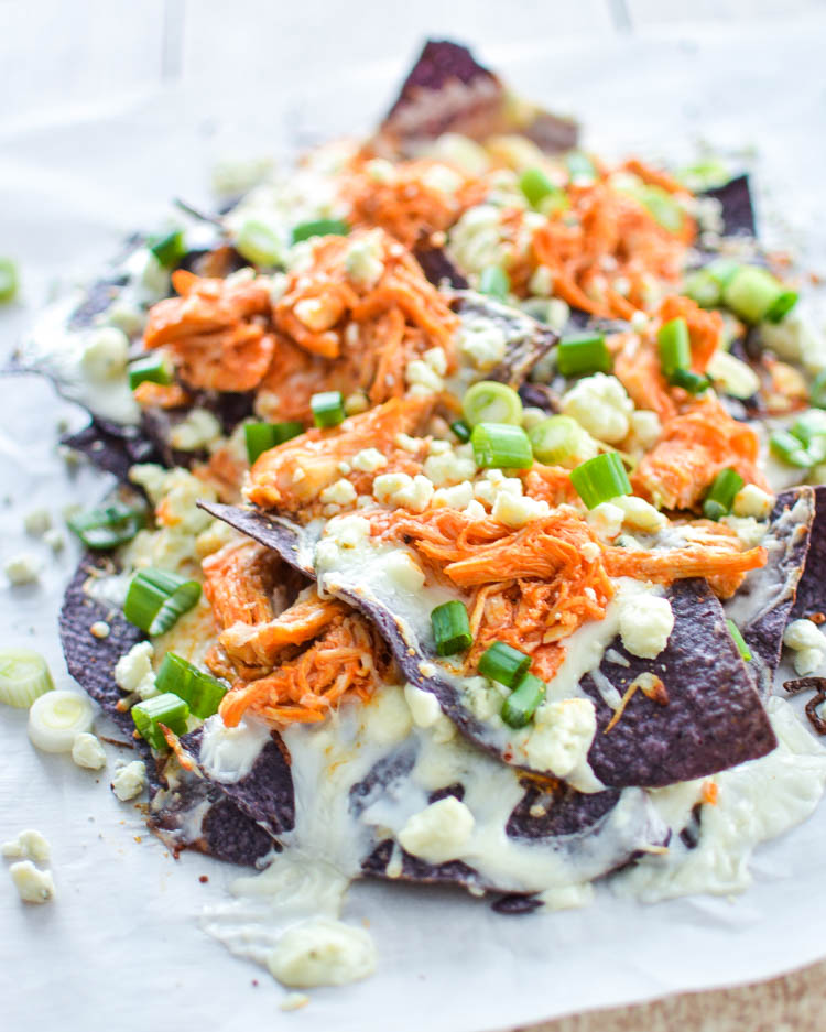 Buffalo Chicken Nachos with Blue Cheese Sauce | www.cookingandbeer.com