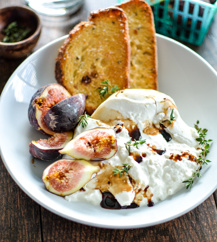 Burrata with Fresh Figs and Crispy Bread: a midday snack or appetizer recipe to get excited about! | www.cookingandbeer.com