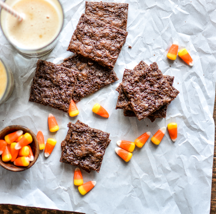 Butterbeer Brownie Brittle recipe is chocolatey, decadent and crispy. It's the perfect snack to serve at your Halloween parties!