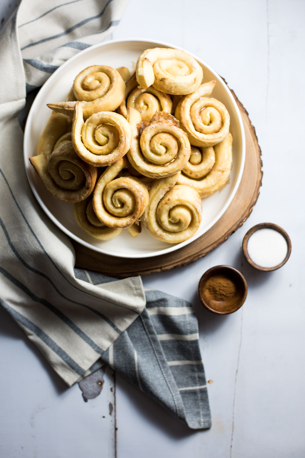 If you are a lover of homemade honey buns and love big and bold spices, these homemade cardamom honey buns are what you need for a relaxing Sunday morning!