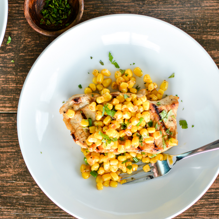 From hot dogs to soup and from dip to pasta, here are 17 summer recipes made with corn! Add them to your menu plans ASAP!