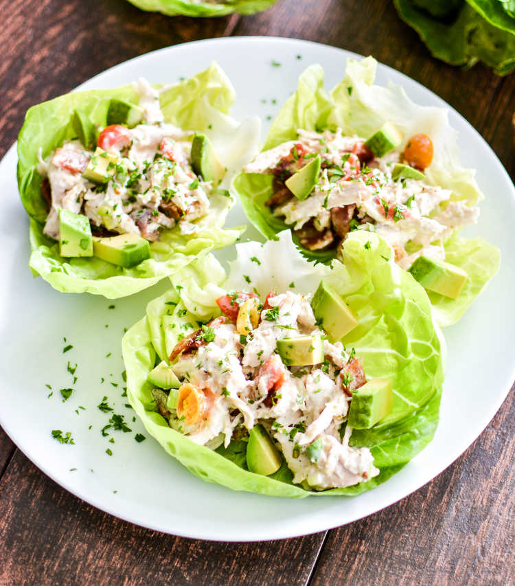 Recipe for Avocado Ranch Chicken Salad Lettuce Cups is a healthy and delicious way to spice up your next lunch! | www.cookingandbeer.com