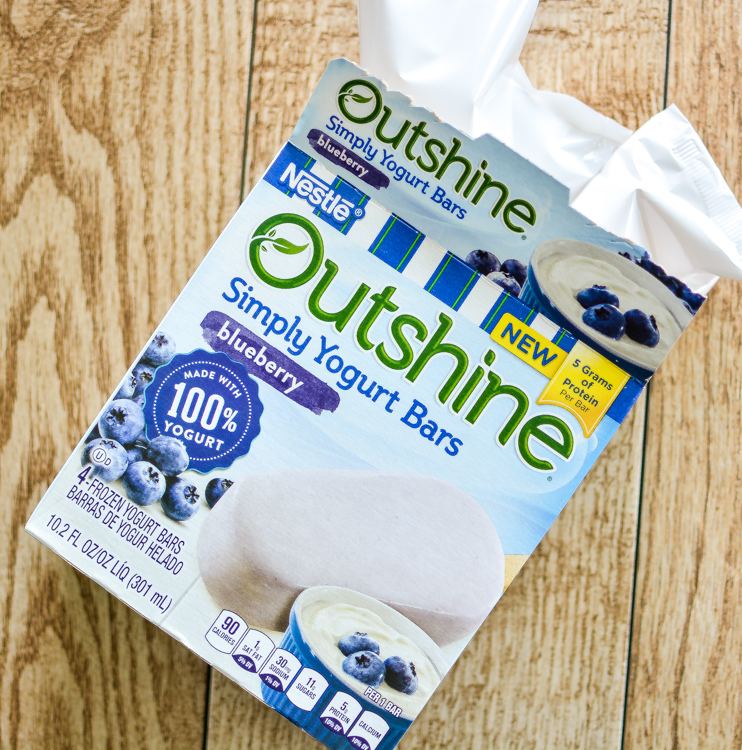 Beating the Heat with Nestlé Outshine Bars #OutshineSnacks #ad | http://cbi.as/7bxq | www.cookingandbeer.com