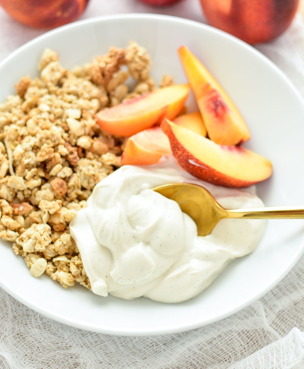 Homemade Vanilla Bean Yogurt and Stone Fruit Granola Bowls: a healthy ...