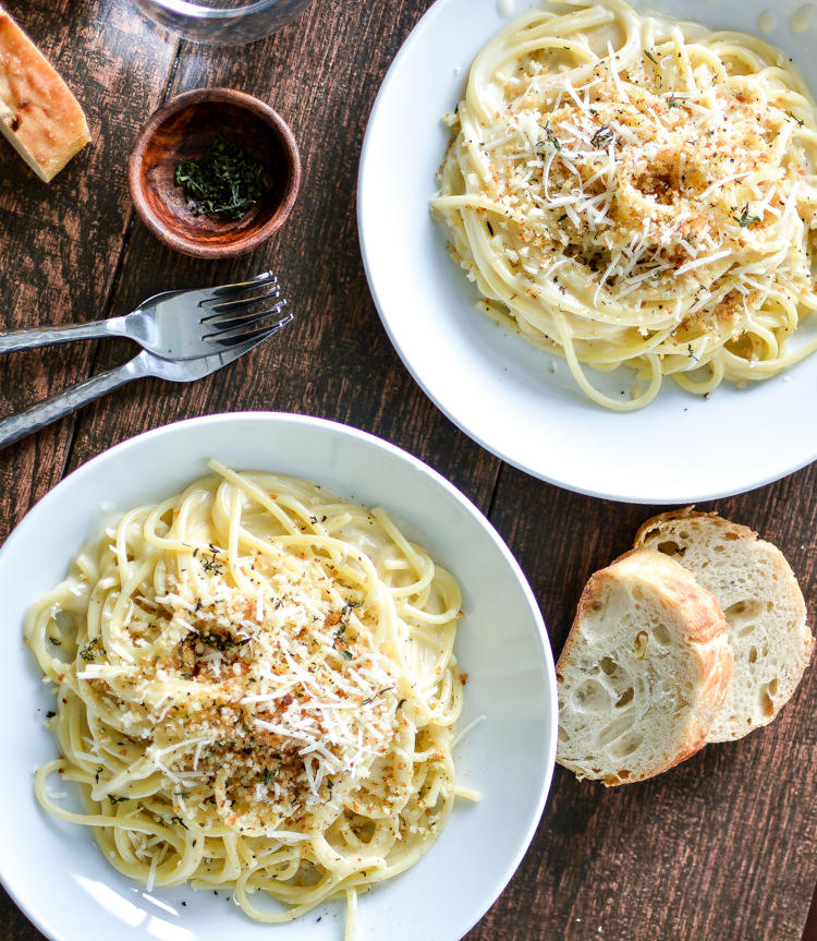 Creamy Pecorino Spaghetti with Toasted Bread Crumbs is a weeknight dinner recipe that's simple, hearty and delicious! | www.cookingandbeer.com