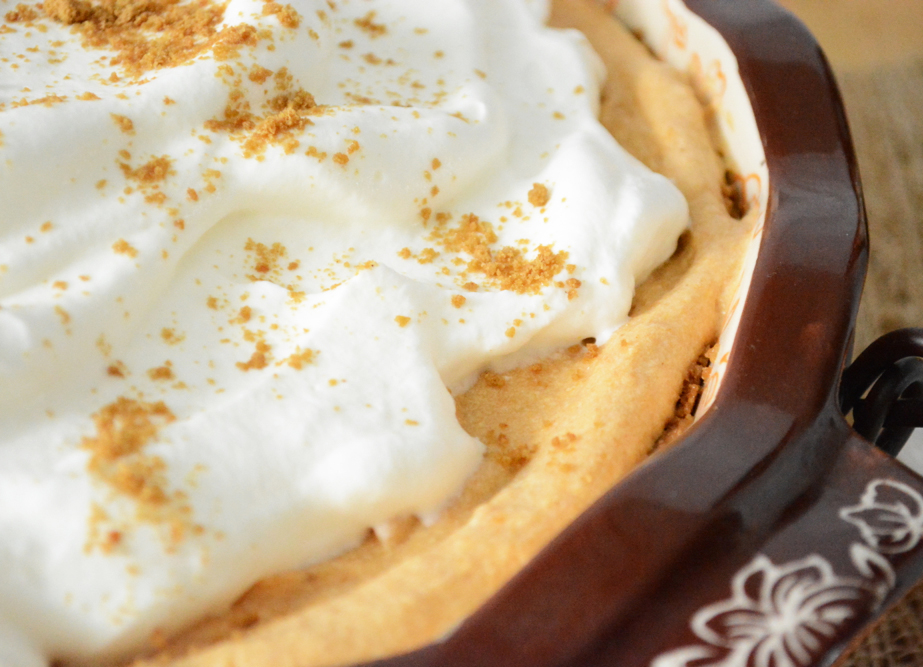 Pumpkin Cream Pie with Gingerbread Crust