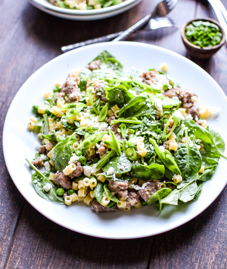 Warm Ditalini Salad with Creamy Mustard Vinaigrette: the perfect simple and healthy side dish recipe for your next dinner! | www.cookingandbeer.com